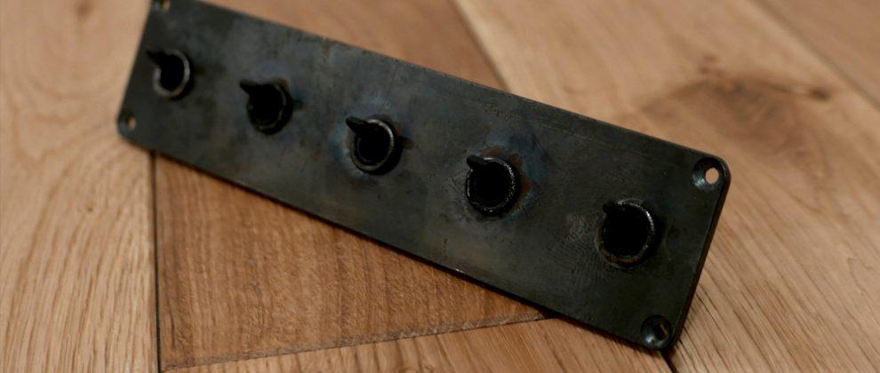 黒スチールプレート+黒5口トグルスイッチ[オリジナル]